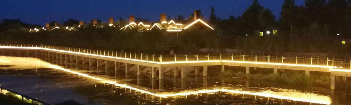 在河之洲河道洗墙灯亮化效果